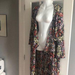 LulaRoe Long sleeve Kimono
